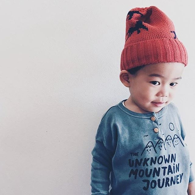 Cute little boy #bobolikesyou by @___accccc.o #theunknownmountainjourney #aw15