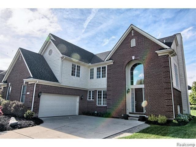 1353 Welland Drive Rochester Mi 48306 Michigan Homes For Sale House Styles Rochester Michigan