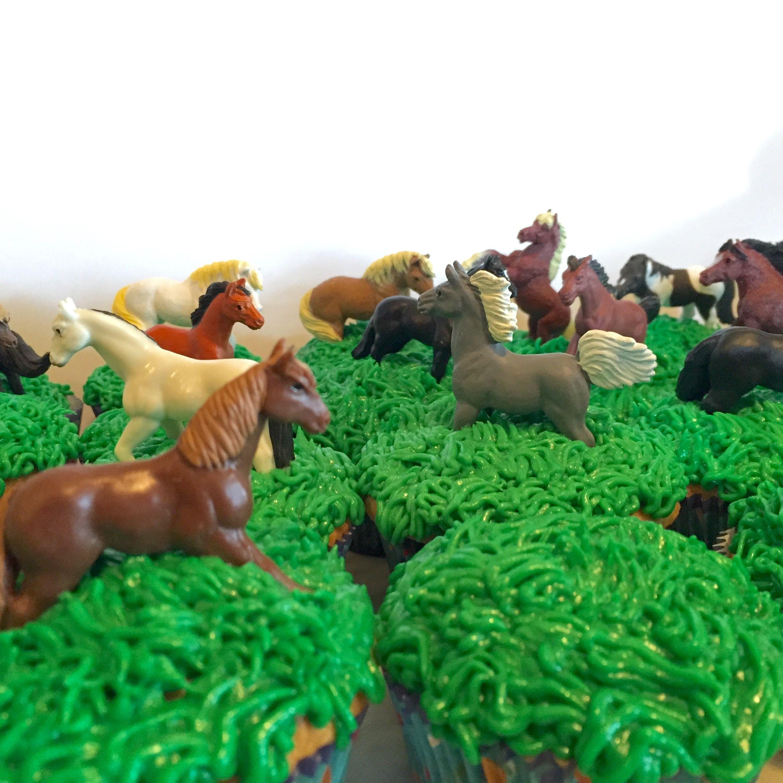 Herd Of Horses Cupcakes I Love Cupcakes Pinterest Birthday