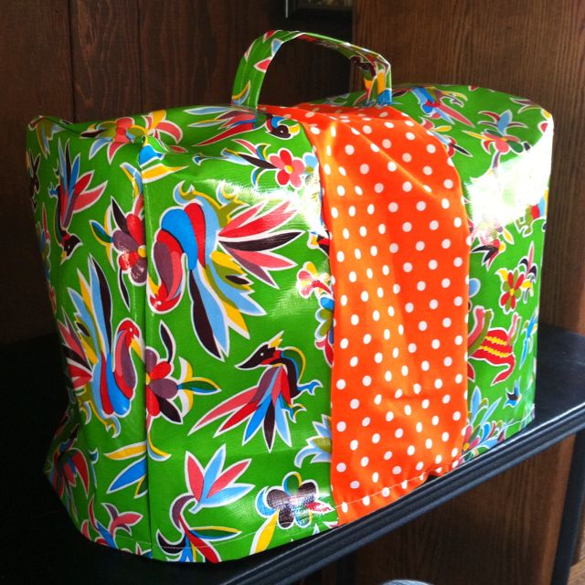 Oilcloth Sewing Machine cover | Things I\'ve Done | Pinterest ...
