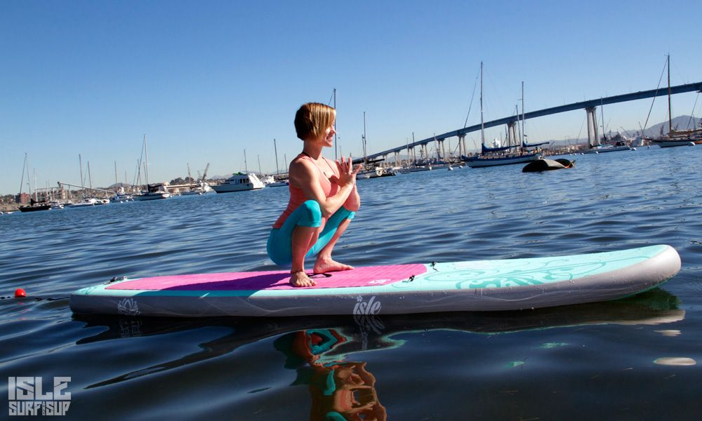 Paddle Surf Yoga pose de la guirnalda
