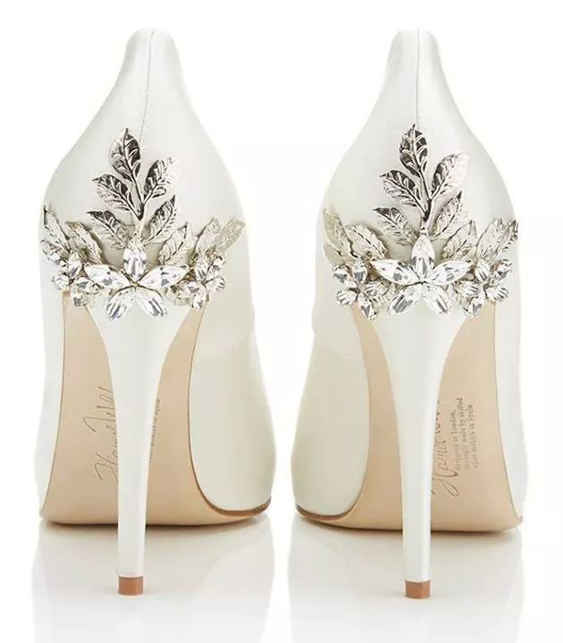 bridal shoes Archives - Fly Away Bride