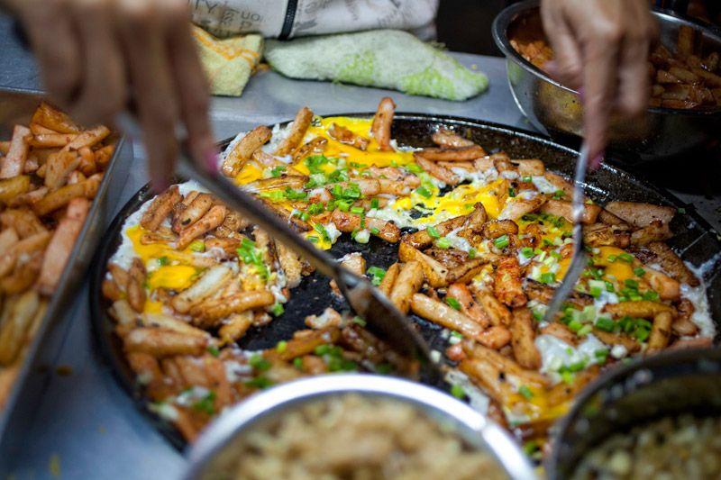 The Foodie tour on Saigon Street