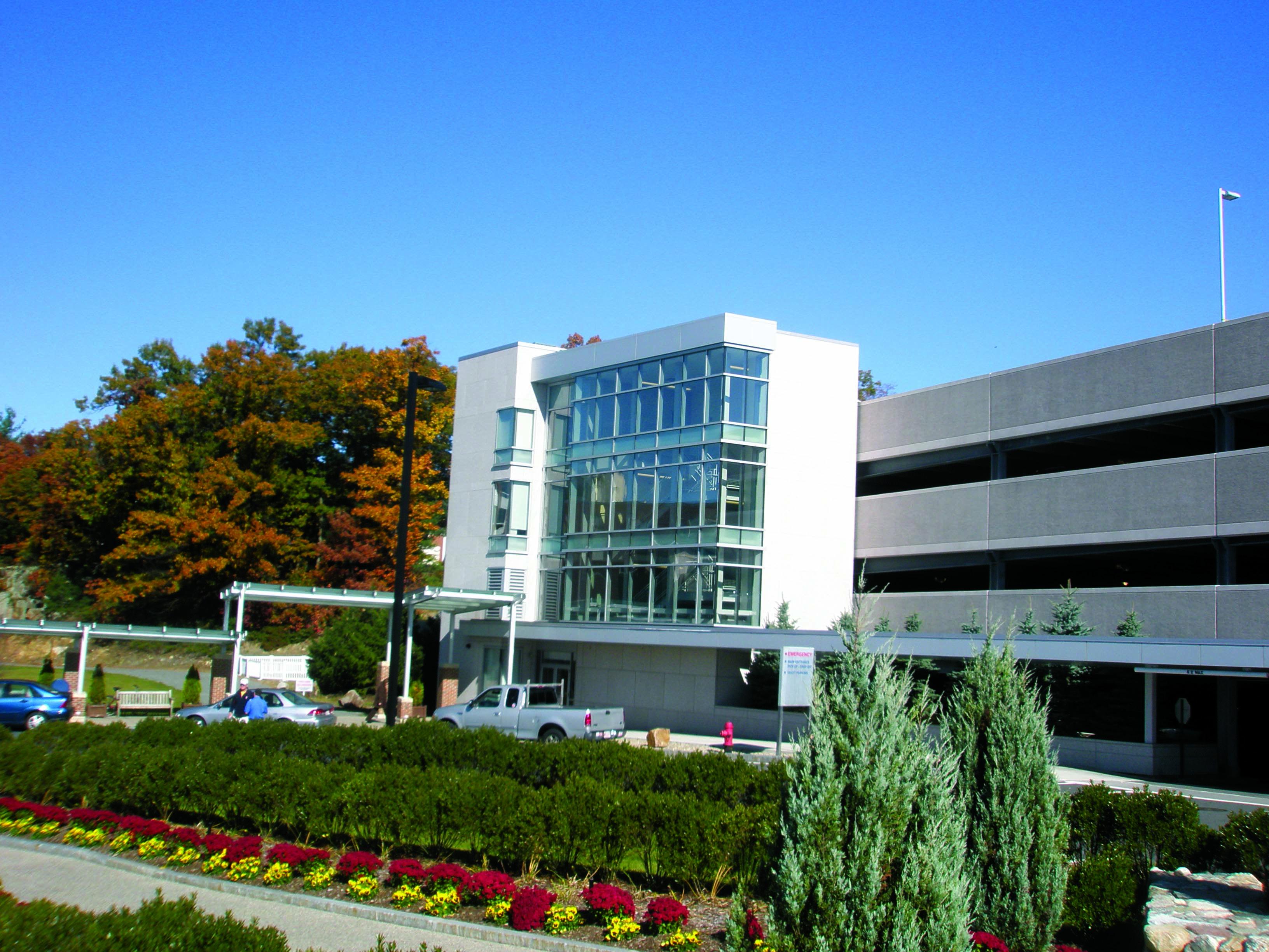 Beverly hospital design build hybrid parking garage