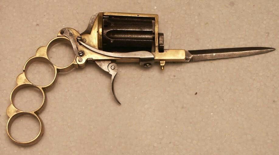 007, gun knife and brass knuckle