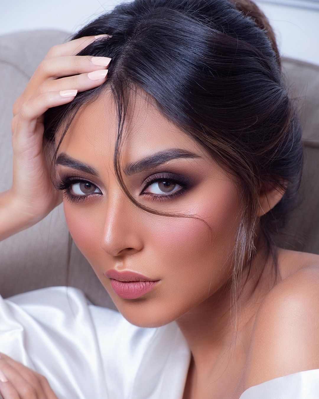 Image May Contain One Or More People And Closeup Cute Makeup Arab Beauty Beauty Face