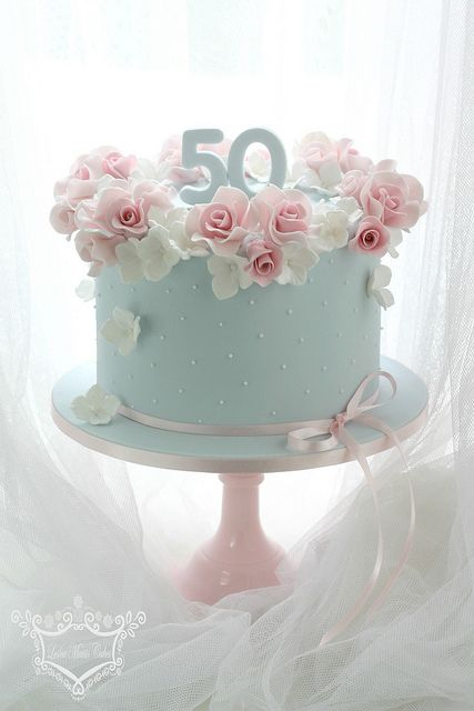 Cake With Flowers Mom Lady 70 Birthday Elegant Cakes