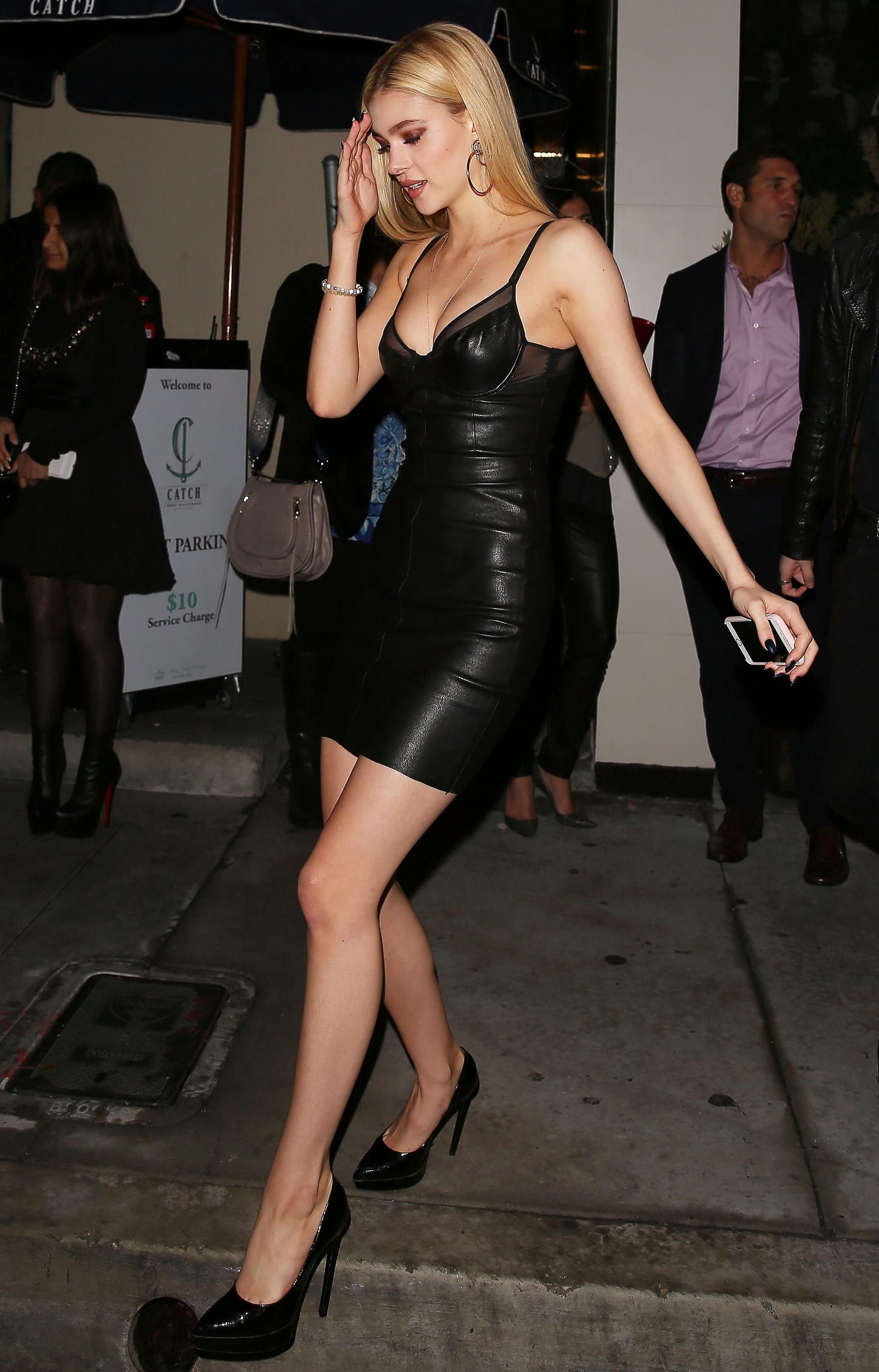 1aefda377 Nicola Peltz enjoyed a night out with friends at Catch LA