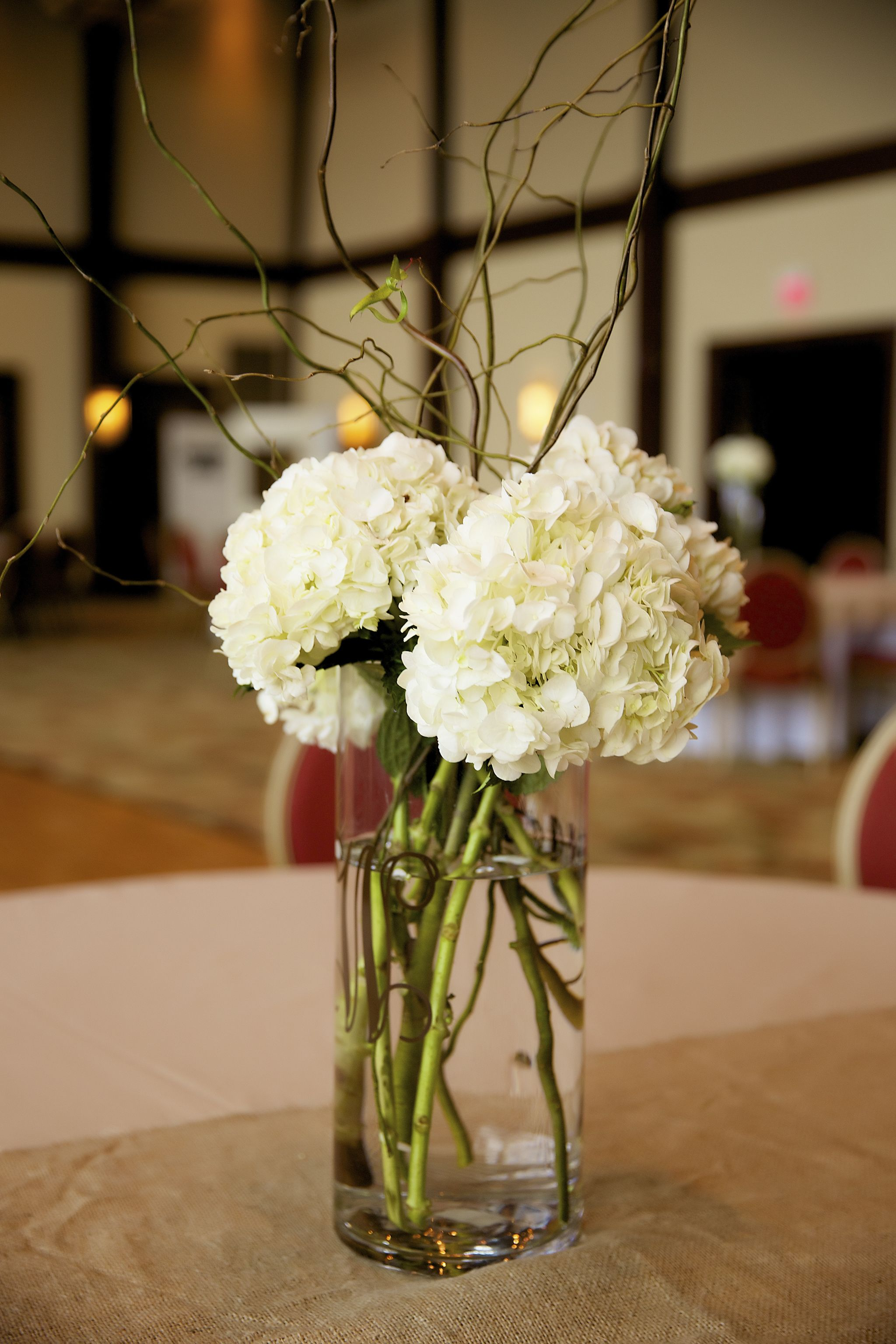 Hydrangeas curly willow simple wedding centerpieces our for Floral table decorations for weddings