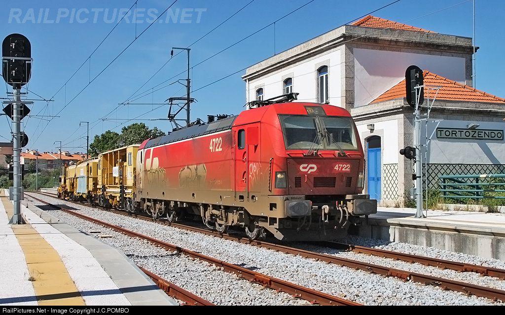 RailPictures.Net Photo: CP 4722 Caminhos de Ferro Portugueses Siemens CP 4700 series at Tortosendo, Portugal by J.C.POMBO