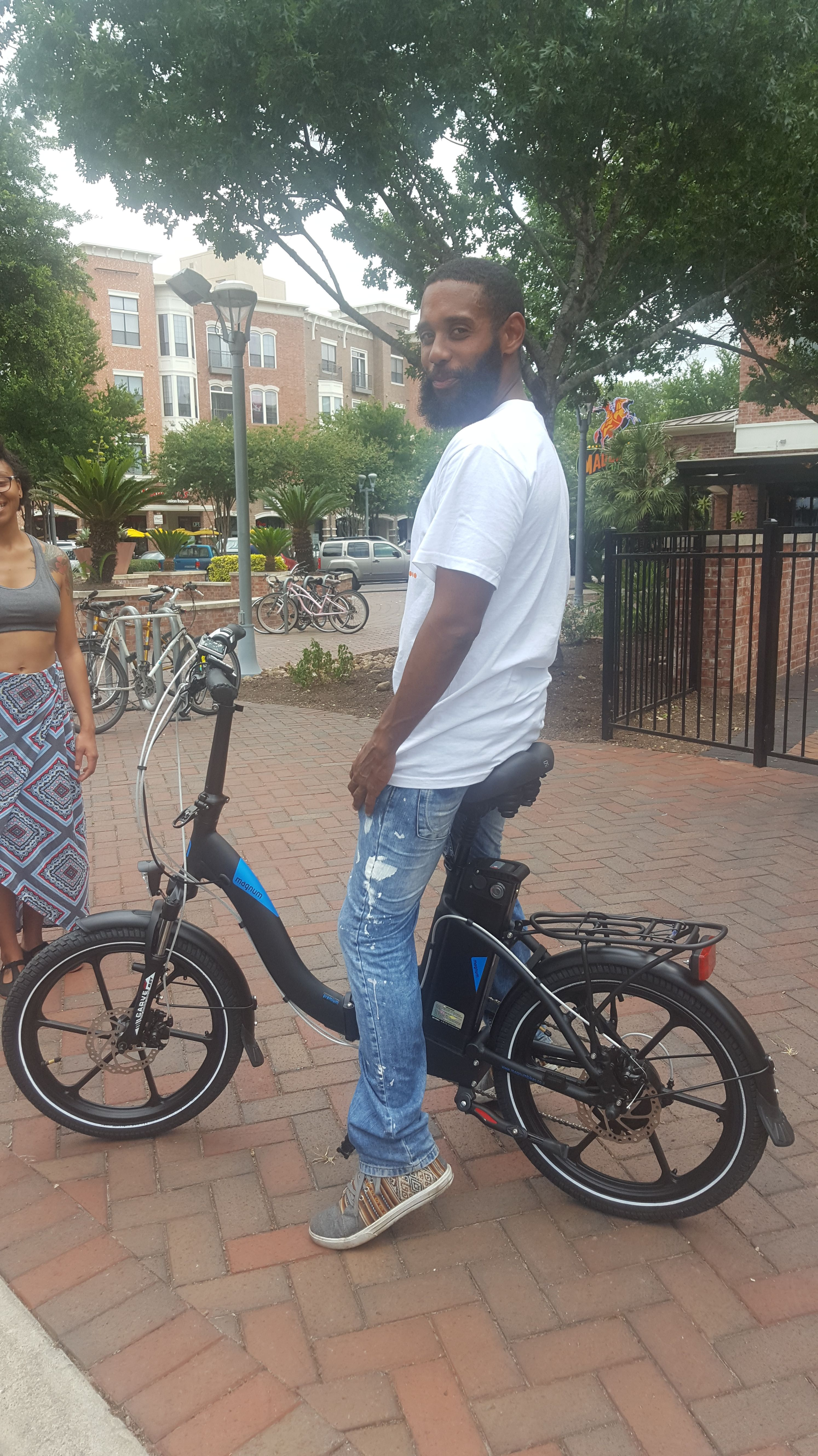 Bicycling In The City Can Be So Much Fun Electric House Electric Bike Bicycle