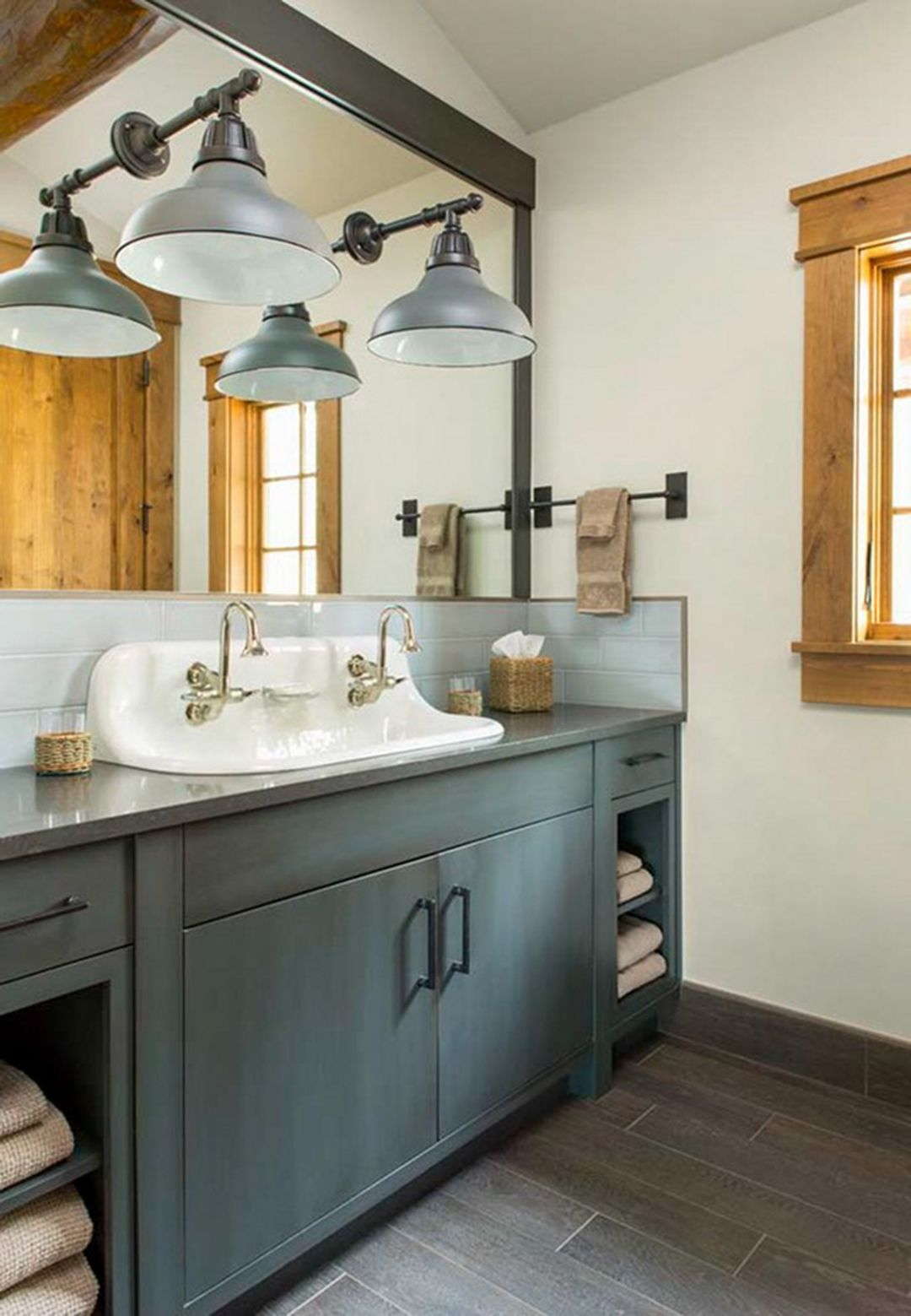 15+ Charming Rustic Farmhouse Master Bathroom For Remodel ...