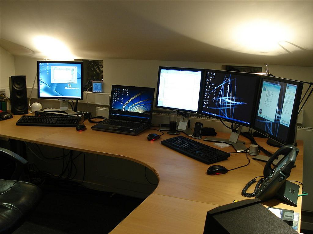 Home business office setup and server rack designed home for Office configuration