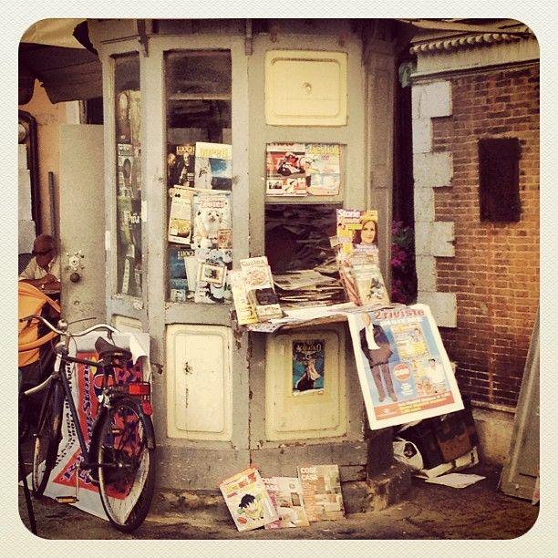 #Pisa #Kiosk | #Tuscany #Italy Photo by @ikbenjohan