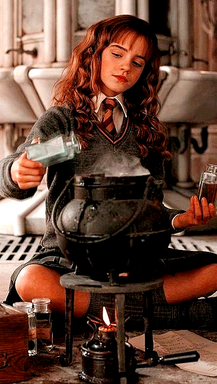 Hermione Granger Wallpaper In 2020 Harry Potter Wallpaper Harry Potter Hermione Hermione Granger