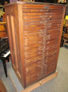 Antique Hamilton Printer's Typesetter Cabinet with 33 Drawers of ...