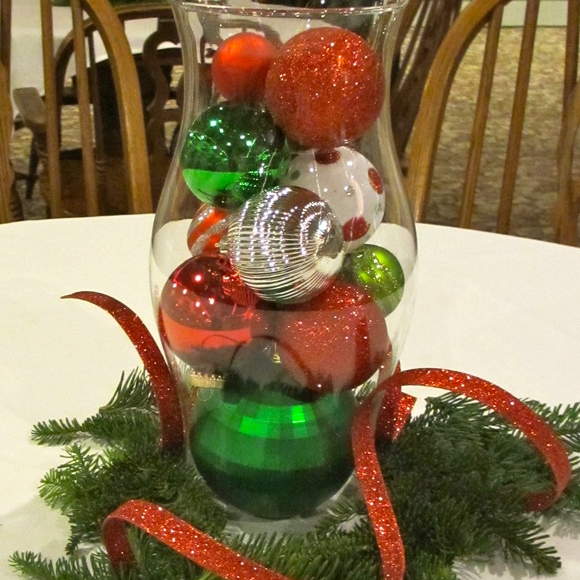 Best 25+ Christmas Table Decorations Ideas On Pinterest