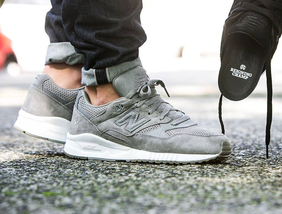 purchase cheap 010c0 338af reigning champ x new balance 530