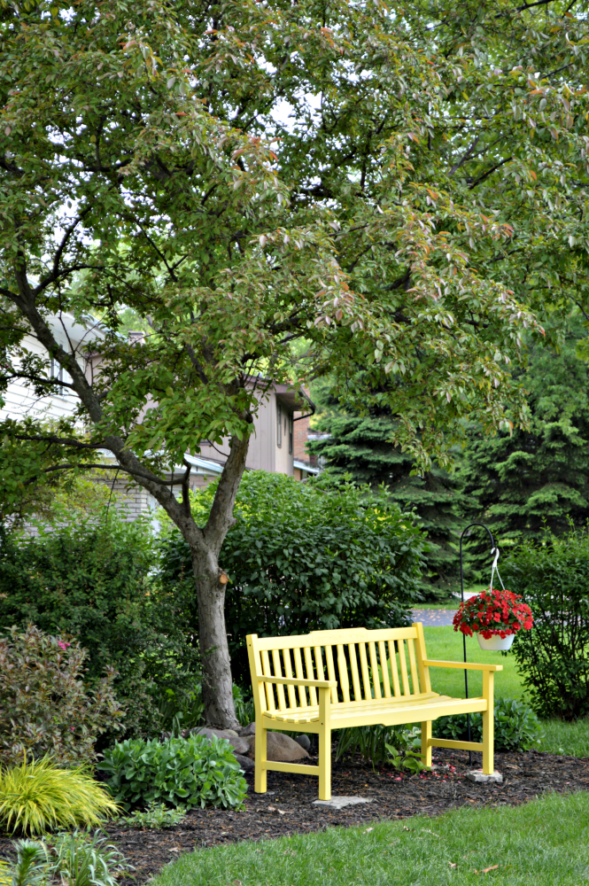 A Sunny Yellow Bench For The Front Yard Garden Bench Diy Front