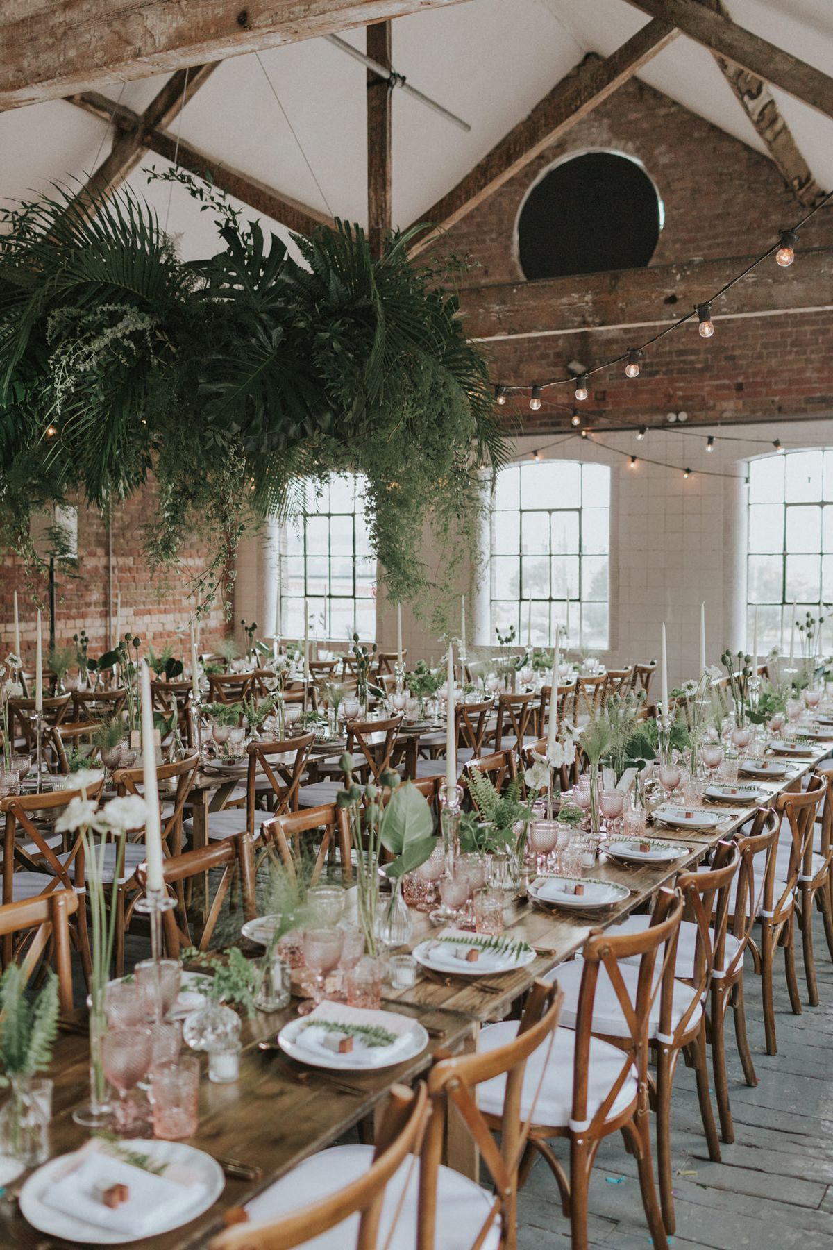 Foliage Chandelier Fern And Foliage Table Centrepieces And Peach Glassware Photography By We Heart Pictures London Wedding Venues Fern Wedding Jewish Wedding