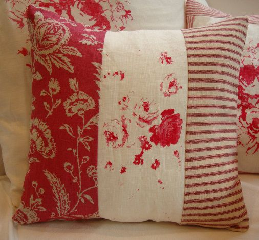 red toile cottage ticking and linen shabby chic roses pillow kissen n hen kissen und shabby chic. Black Bedroom Furniture Sets. Home Design Ideas