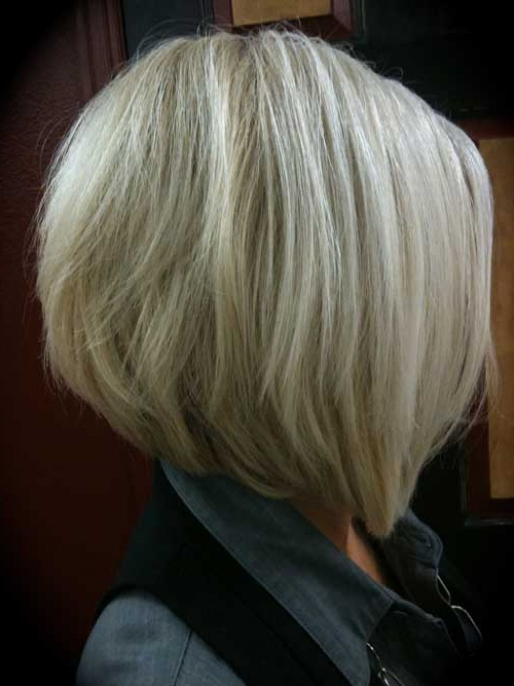 Back view of stacked bob haircut - Medium Inverted Bob Hairstyles Back View Graduated Bob Haircut Back