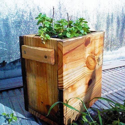 Resultado de imagen de maceteros de madera originales - Macetas madera exterior ...