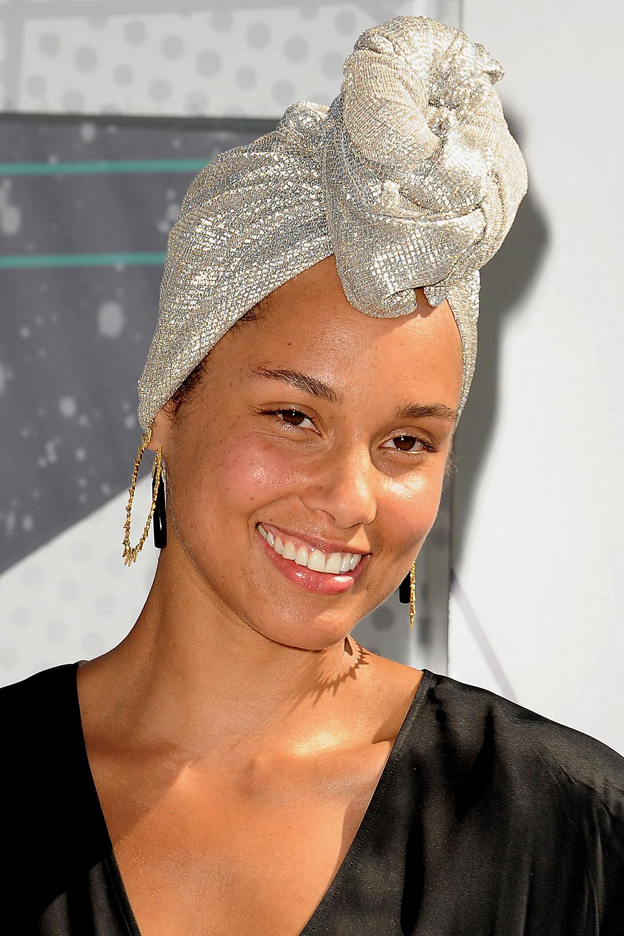 The New Thing In Makeup Is No Makeup Alicia Keys No Makeup Alicia Keys Celebrity Beauty