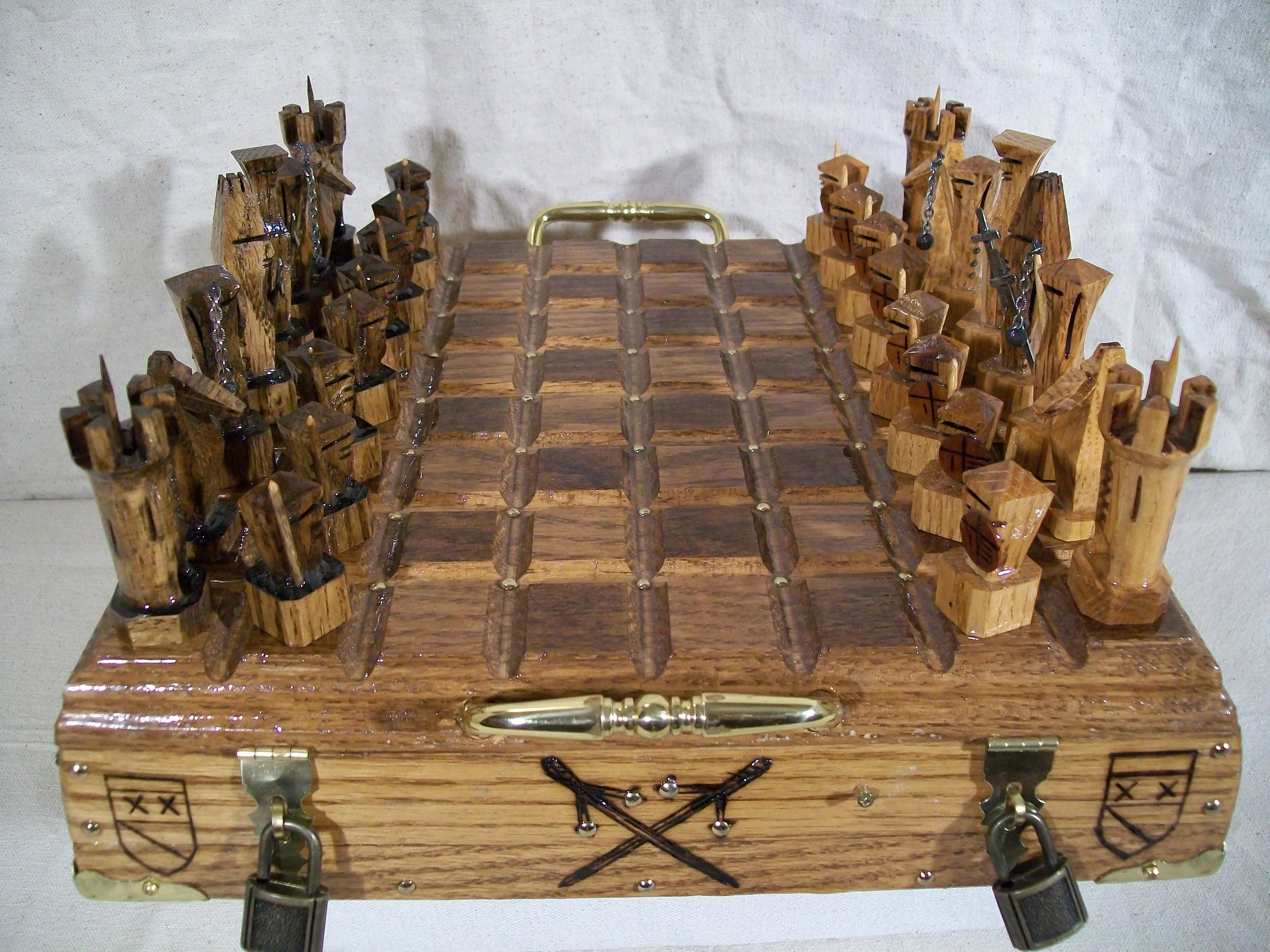 English Medieval Battle Chess Set It S Your Move
