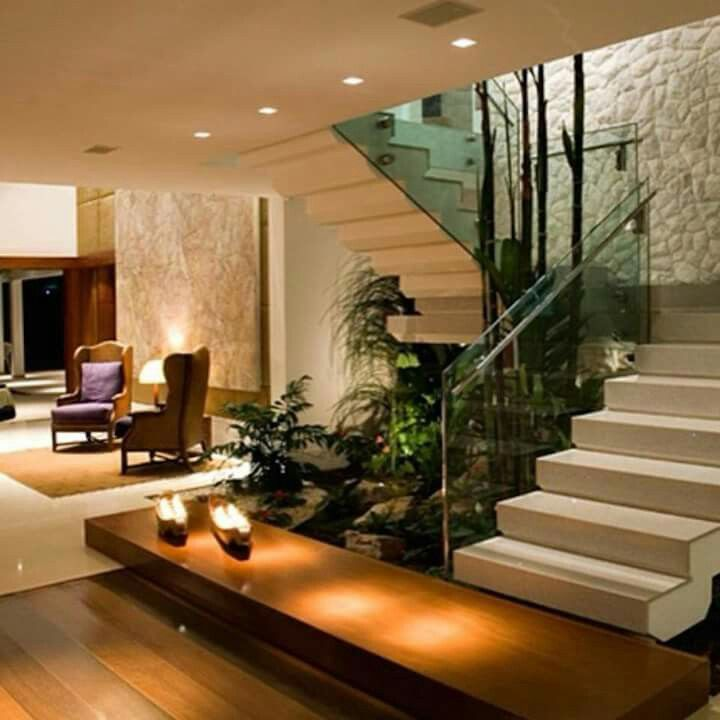 Pin de jenrs en for the home pinterest escalera casas for Modelos escaleras interiores
