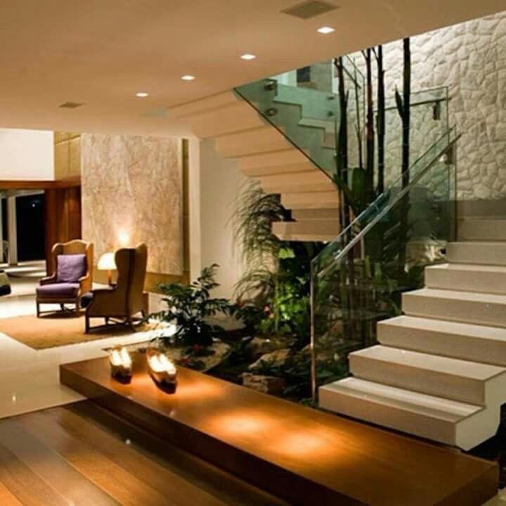 Pin de en future home requirements pinterest for Escaleras interiores modernas