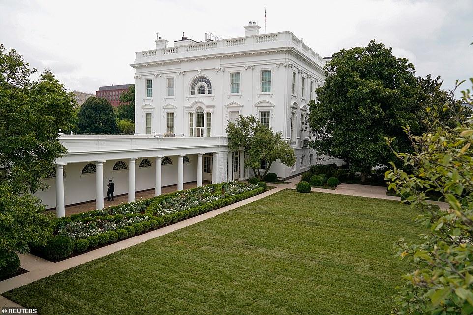 Melania Trump S New White House Rose Garden Unveiled In 2020 White House Trump Trump New Melania Trump