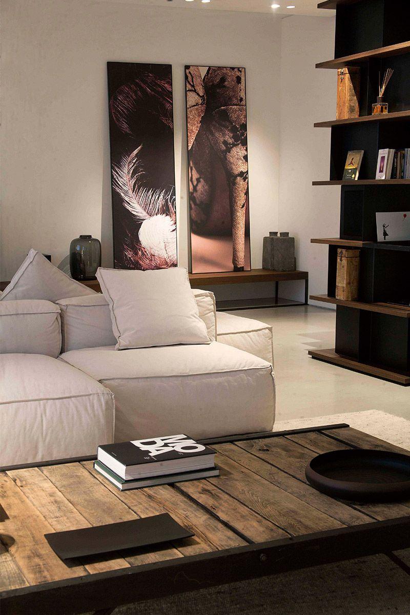 Consigli, idee e ispirazioni per la tua casa. L Appartamento Situato A Torino E Caratterizzato Da Uno Spaziosa Area Giorno Dove Interior Design Per La Casa Idee Di Interior Design Arredamento D Interni