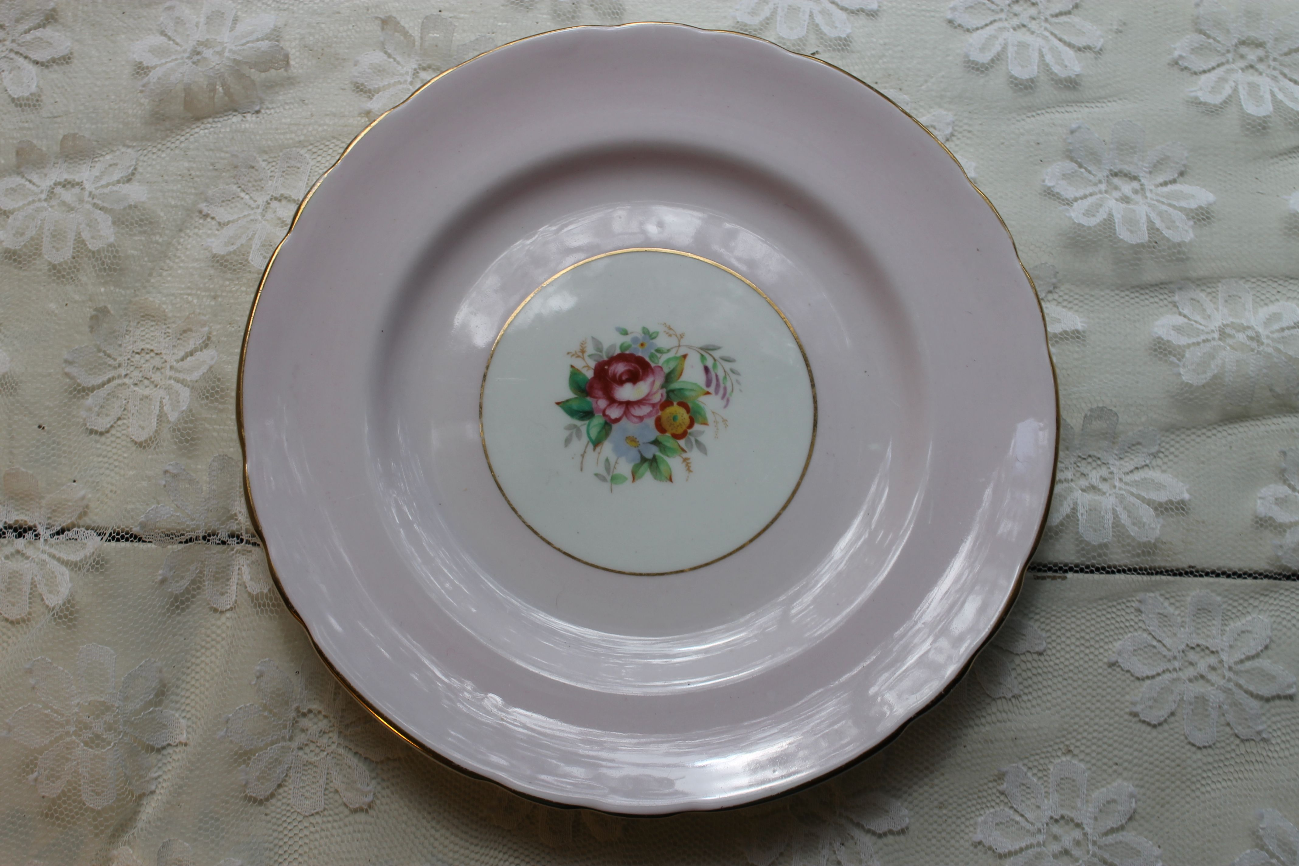 Tuscan Made In England 8 1 Salad Plates 6 Available Southern Vintage Classic China Collection Rentals Vintage Rentals Vintage Decorative Plates