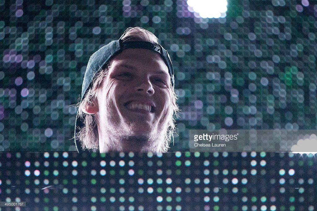 News Photo : DJ Avicii performs at the KROQ Weenie Roast at...
