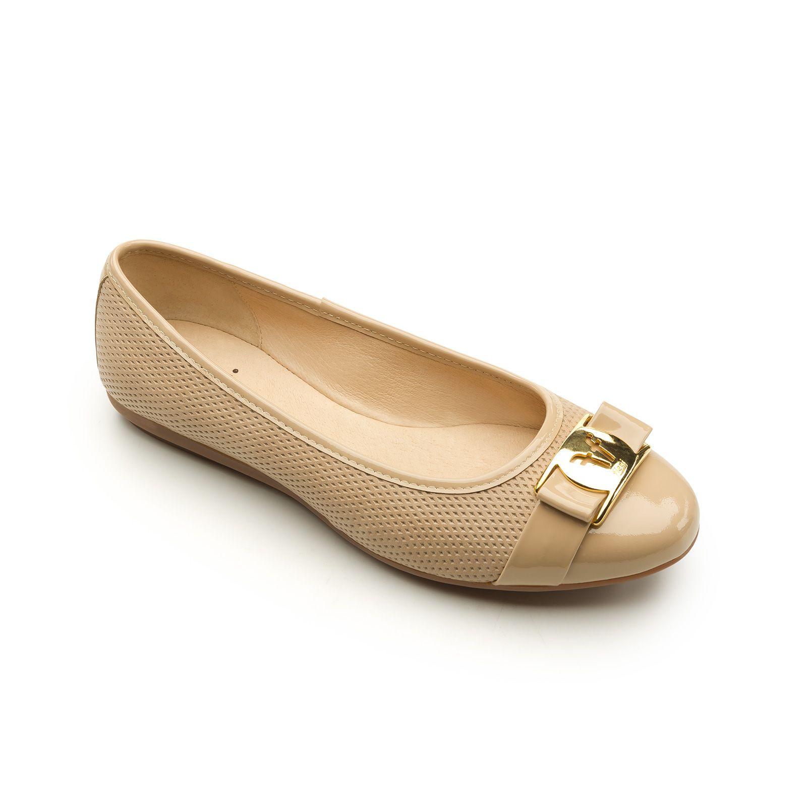 78de4088 Línea casual de zapato de piso tipo balerina presentada en dos estilos.  Toda la línea cuenta con Sistema Comfort Flat para brindar la máxima  comodidad en ...