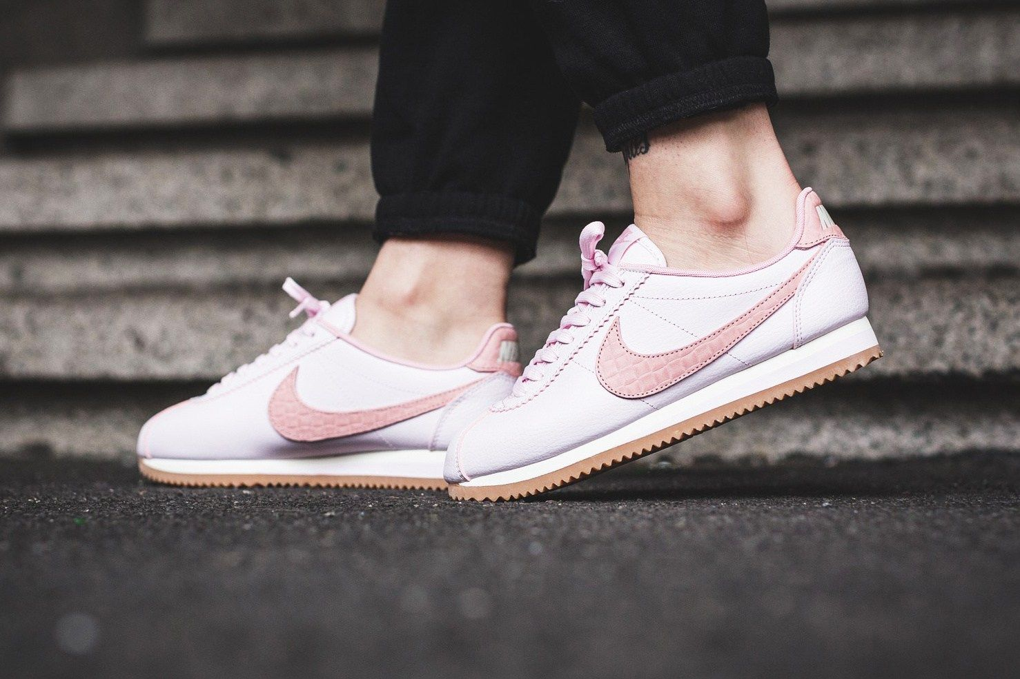 promo code 07dca 42ecf Nike Classic Cortez -leather-pearl-pink