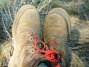 Here are 10 suggestions for do-it-yourself outdoors/survival gifts that are easily made and incredibly effective.  Best of all, in my frugal mind, is that these items are very inexpensive, or recycled. All of them  cost under $10.