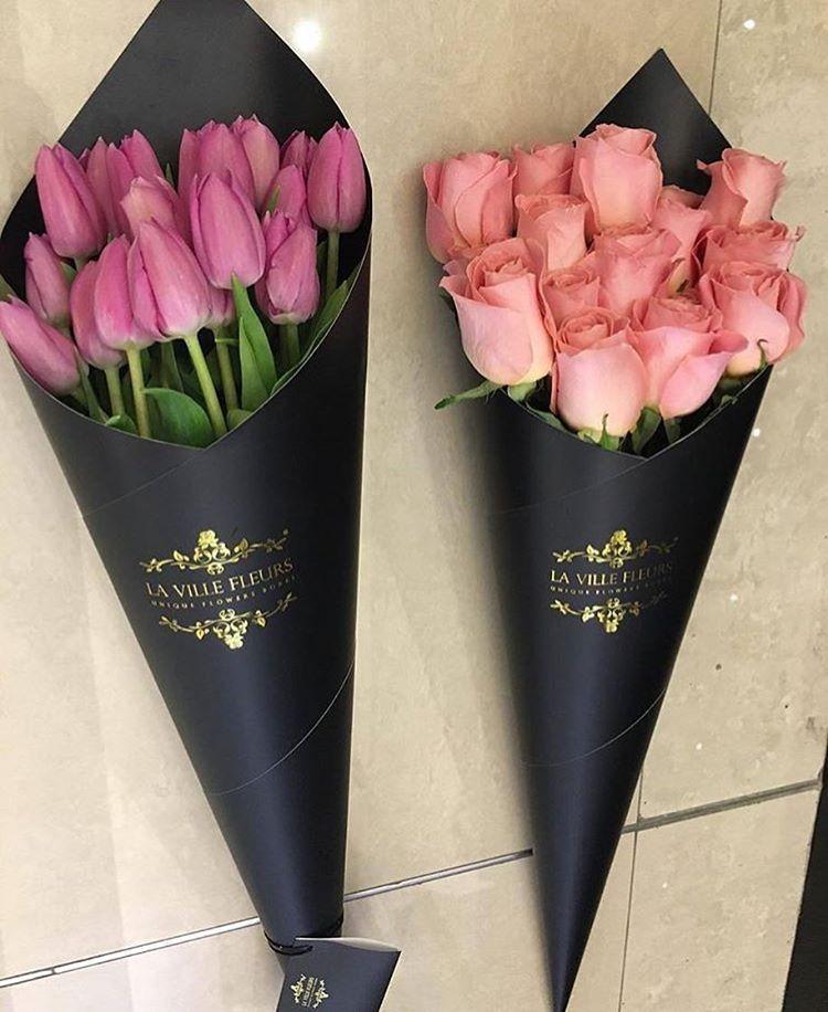 Both Of Them флористы букет цветочные ящики