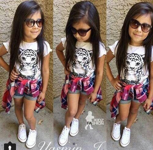 07a10842e389 Little divas fashion. fashion, girl, and cute image. Lol looks like my  elementary school mascot!! <3