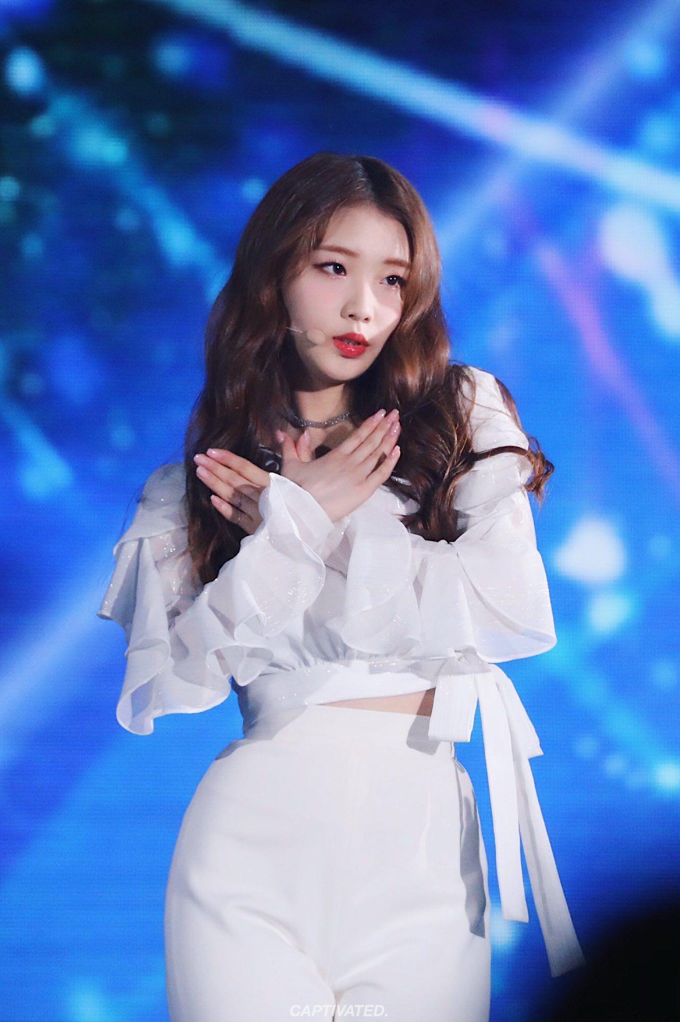 Pin By Petra On Loopd Kpop Girls Kpop Girl Groups Korean Girl