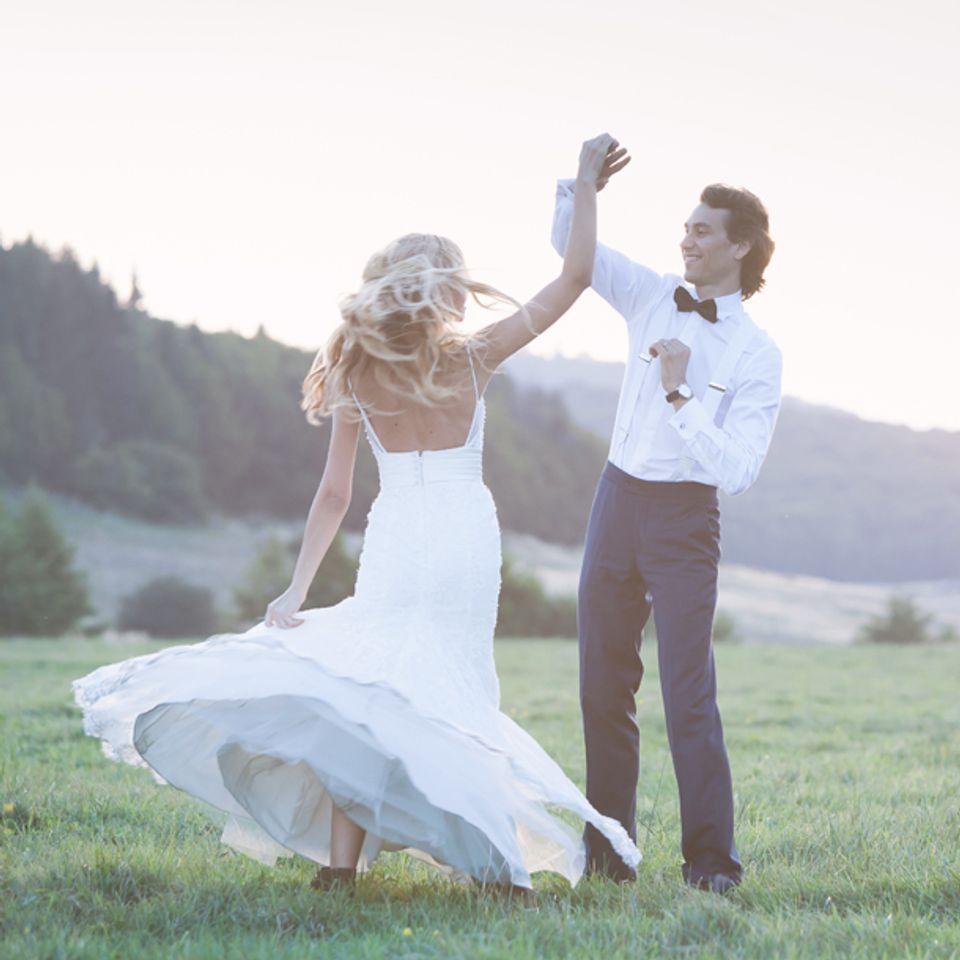 Lieder Zur Trauung 45 Songs Die Eure Hochzeit Noch Schoner Machen Trauung Manner Hochzeit Outfits Hochzeit