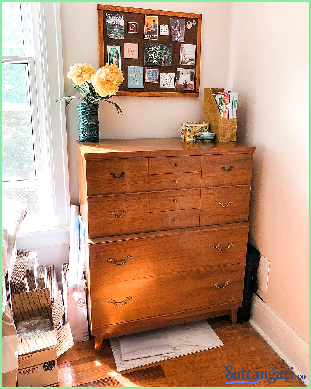 My New Incognito Reseller Workspace My New Incognito Reseller Workspace Erin The Shop On Charles Shoponcharles The In 2020 Mid Century Dresser Work Space Guest Room