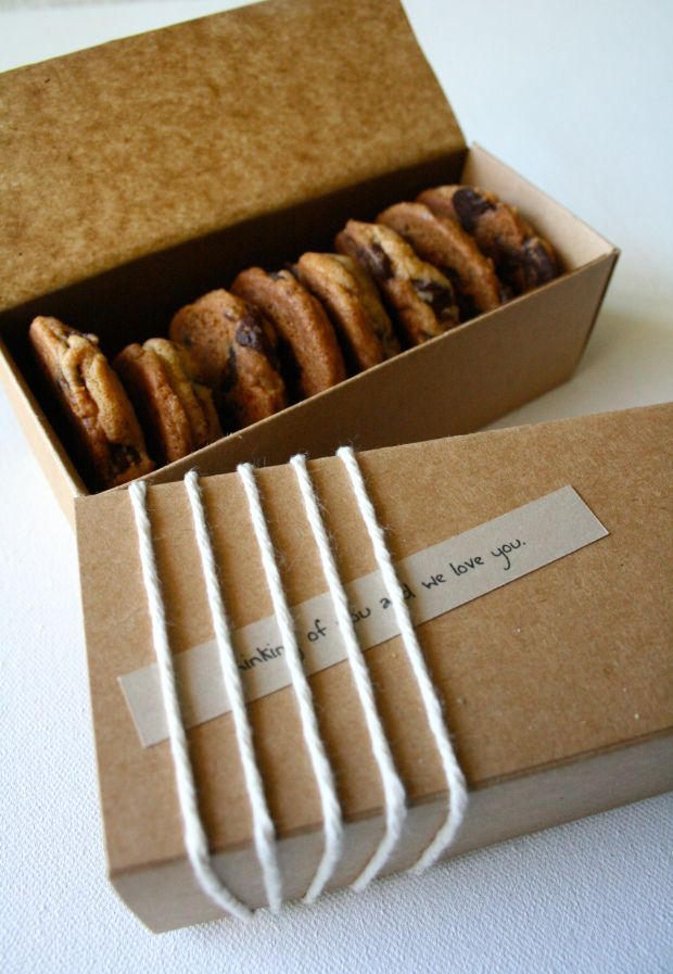Clean and simple but very pretty chocolate chip cookie packaging.