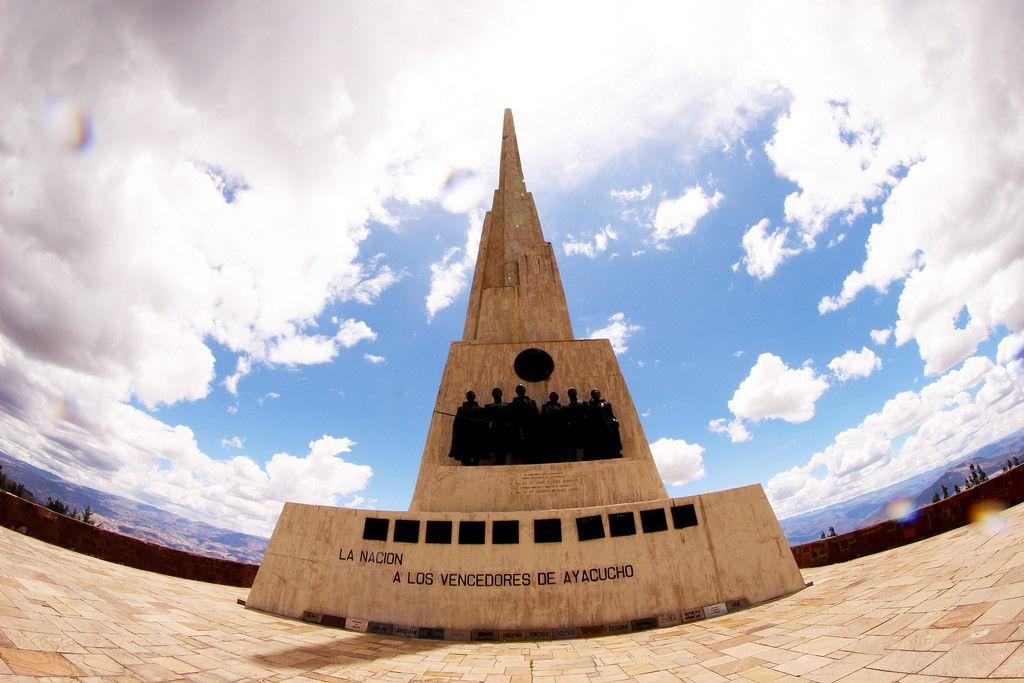 EL Obelisco en Quinua - Perú