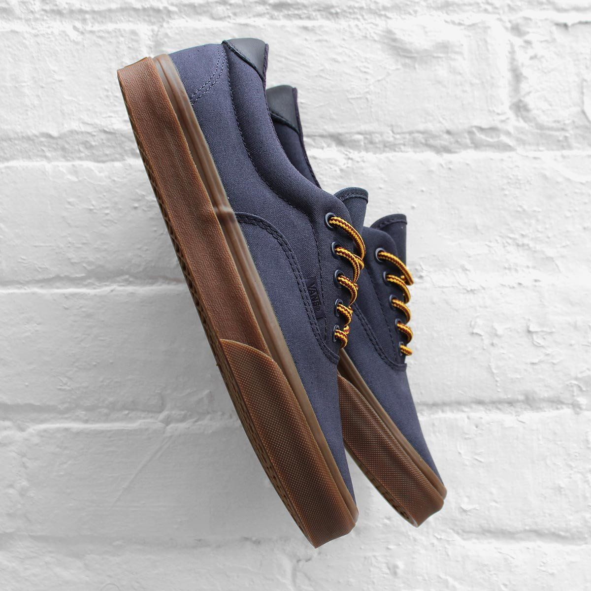 The low top lace-up skate shoe has been recreated for the new season with  sturdy double-stitched canvas uppers with metal eyelets, leather heel  detail.