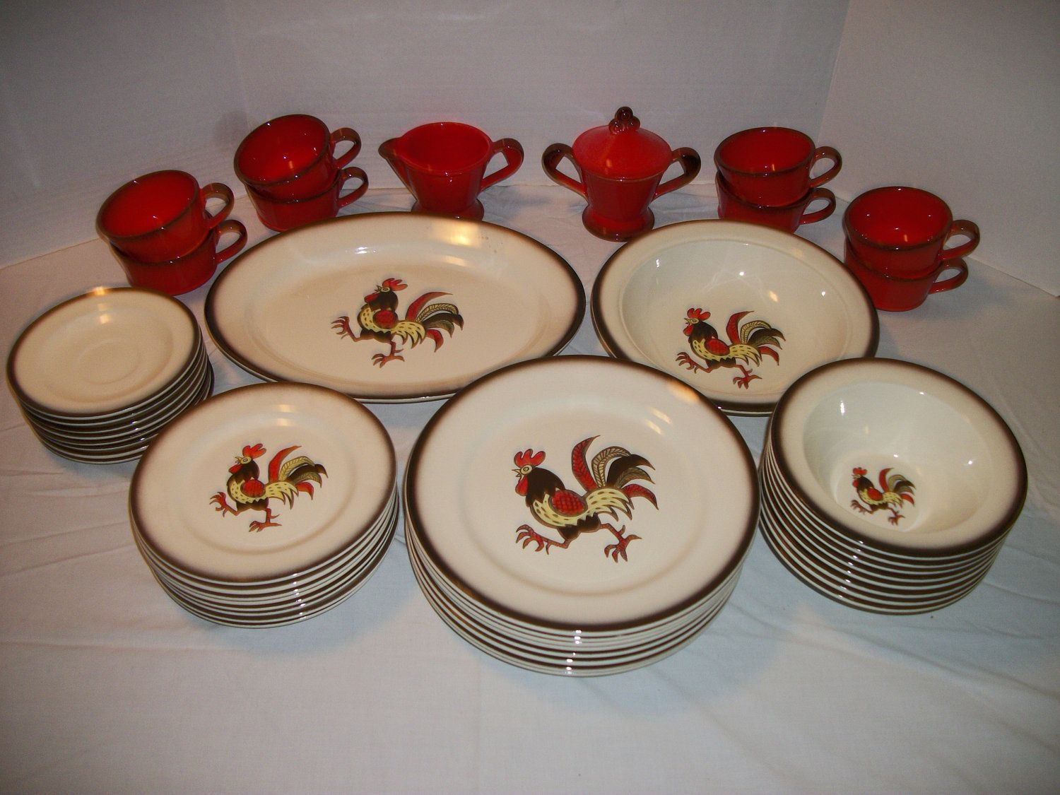 44 Pieces of METLOX POPPYTRAIL Red Rooster Dinnerware Service For