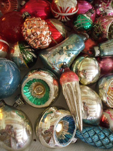 Old Christmas Decorations.Shiny Brite Ornaments I Went Crazy Acouple Of Years Ago On