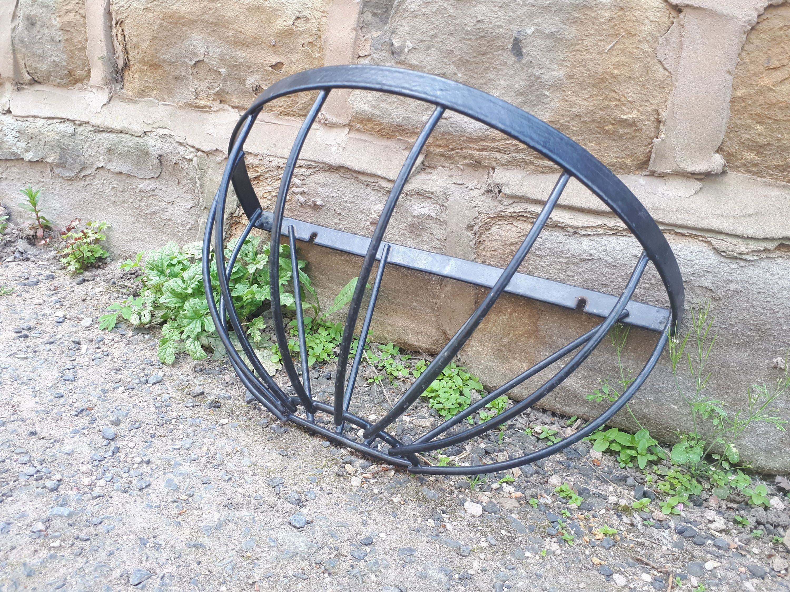 Vintage Style Plastic Coated Metal Black Garden Wall Planter Basket