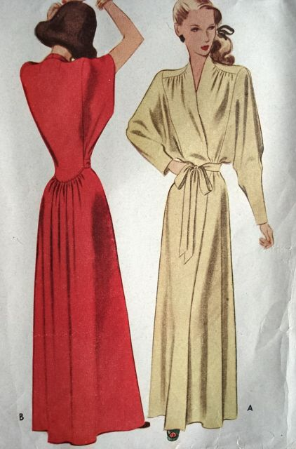 1940s GLAM NEGLIGEE HOUSE COAT ROBE PATTERN PURE FLATTERY McCALL PATTERNS  7035 d098a1145